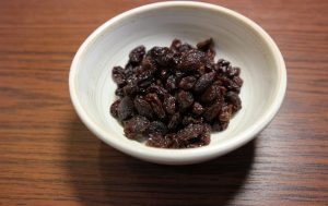 black-raisin
